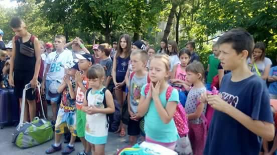 Lasten Lähetystön kesäleiri Mustan meren rannalla