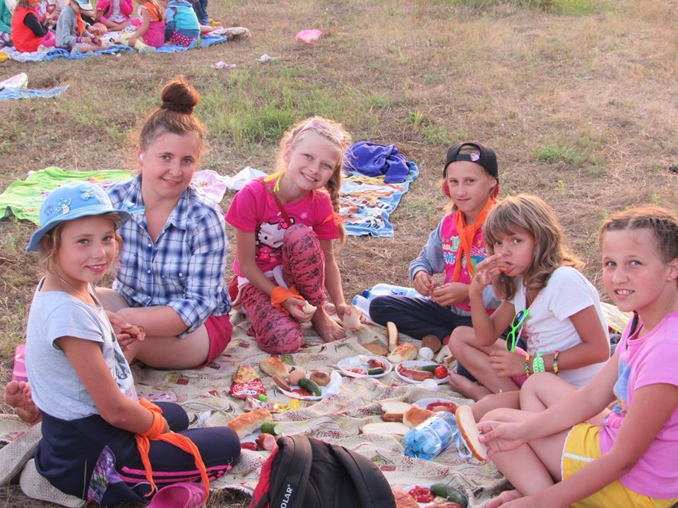 Barnens Ambassads sommarläger vi havet