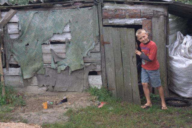 Auta lasta Ukrainassa. Tule kuukausil ahjoittajaksi